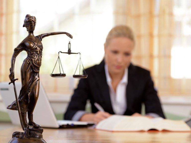 avocat recuperare cote intretinere
